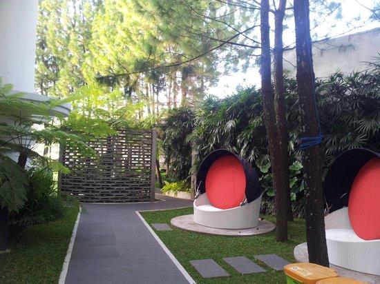 Bumi Bandhawa Hotel: hotel grounds
