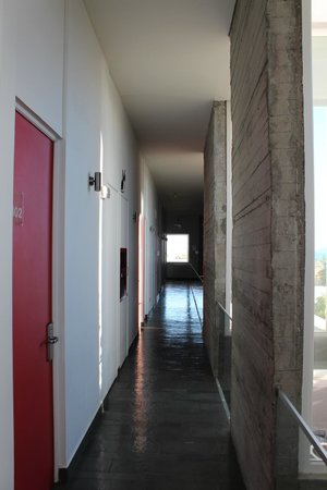 Natalino Hotel Patagonia: pasillo del hotel