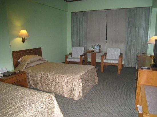 Central Hotel Yangon:                   スーペリアのツインルーム