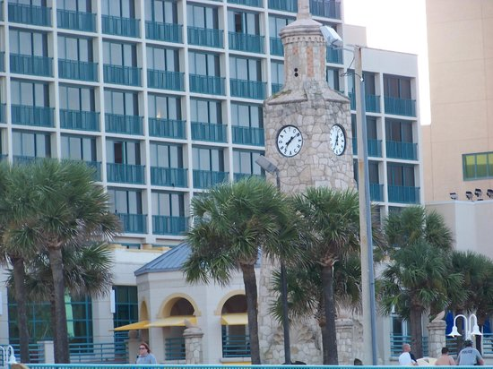 Hilton Daytona Beach / Ocean Walk Village: Clock Tower