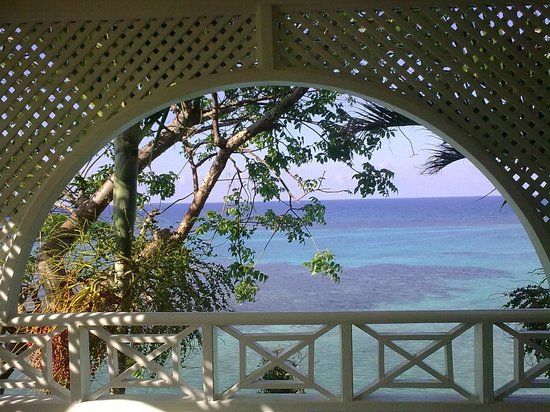 Hibiscus Lodge Hotel:                   View from bedroom