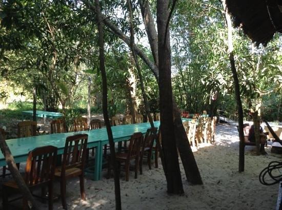 Freedomland Phu Quoc Resort:                   la mesa!