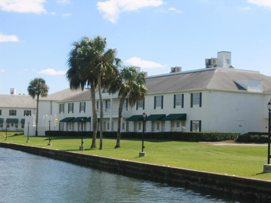 Plantation on Crystal River:                   The backside of one of the wings.  Notice the back doors leading to the ground