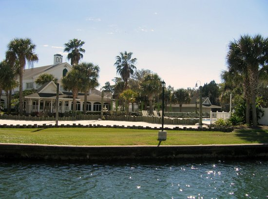 Plantation on Crystal River:                   View from the boat on the canal looking toward the back of the main hotel.