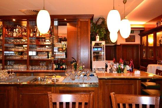 Bar counter 1 Picture of Haus der 100 Biere Berlin