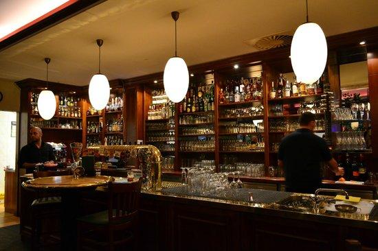 Bar counter 2 Picture of Haus der 100 Biere Berlin