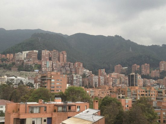 Hotel Estelar Parque De La 93:                   view of the mountains
