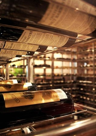 Vino Bar : Wine Room