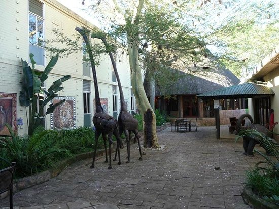 Anew Hotel Hluhluwe & Safaris: Cour intérieure