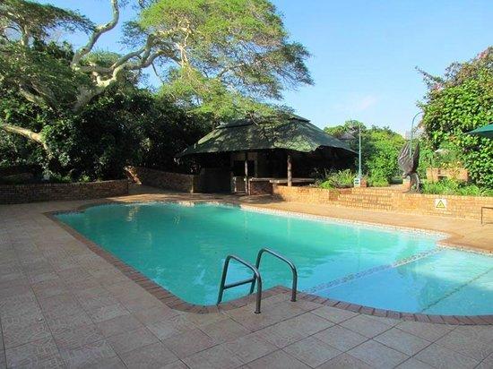Protea Hotel Hluhluwe & Safaris: La piscine
