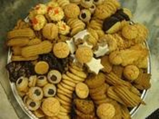 Litchfield, CT:                   bought cookie tray for party....fabulous!