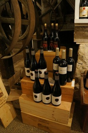 Inn at Gristmill Square: Waterwheel Wine cellar