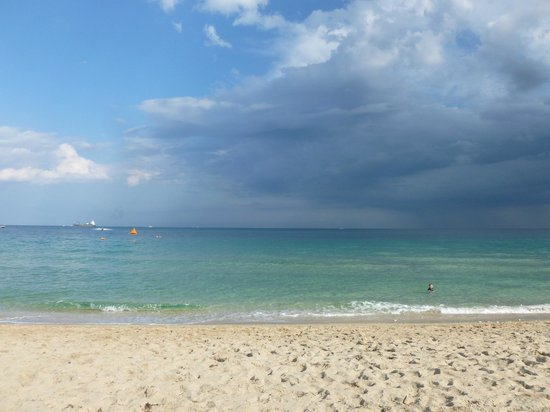 Fort Lauderdale Marriott Harbor Beach Resort & Spa:                   Gorgeous beach as a storm rolls by