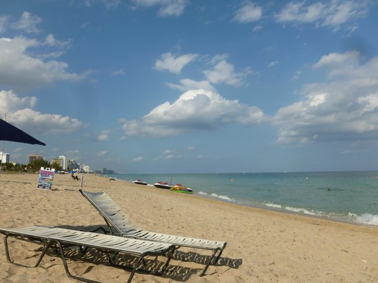 Fort Lauderdale Marriott Harbor Beach Resort & Spa:                   The beach