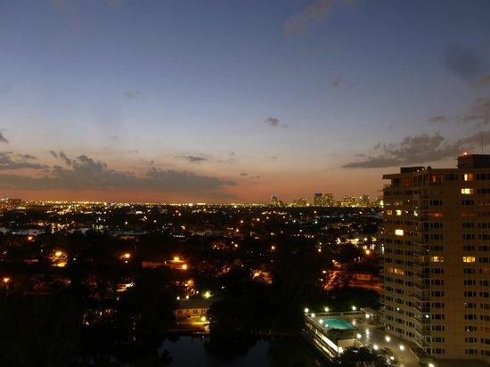 Fort Lauderdale Marriott Harbor Beach Resort & Spa :                   Sunset view