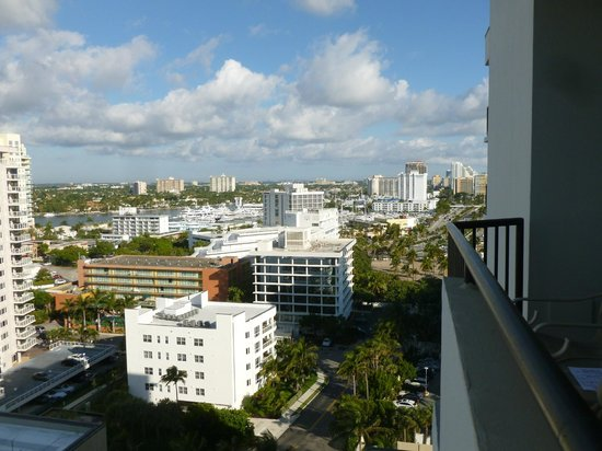 Fort Lauderdale Marriott Harbor Beach Resort & Spa:                   View from the room on the 14th floor