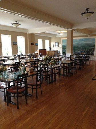 Monte Vista Hotel:                   Dining Room
