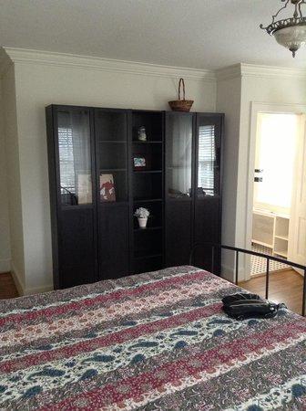 Monte Vista Hotel:                   Room