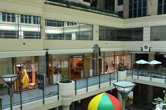 Novotel Melbourne on Collins:                   Hotel atrium is accessible to shopping entrances