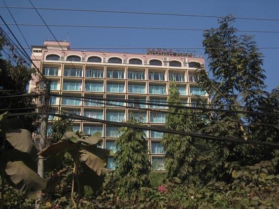Myanmar Panda Hotel: exterior
