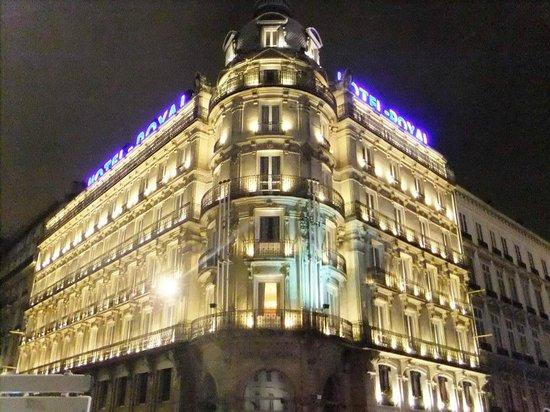 Hotel Le Royal Lyon - MGallery Collection: Exterior at night