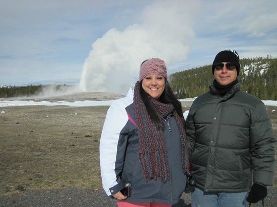 Buffalo Bus Day Tours: Old Faithful