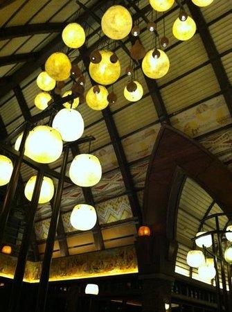 Aulani, a Disney Resort & Spa:                   lobby chandelier