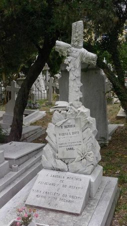 St. Michaels Chapel and Cemetery : St. Micheal's Cemetery - Nice headstones