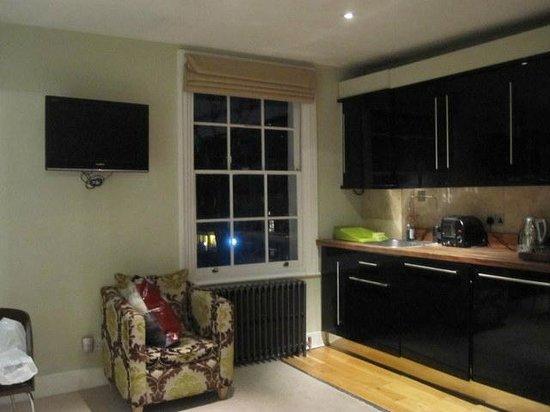 Apartment 17 :                   2nd Floor Kitchen