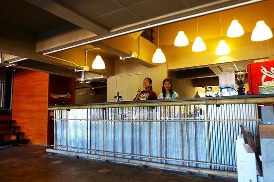 Non La Mer Hostel : Reception area service from 07.00 - 22.00 daily