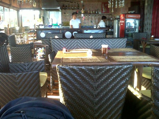 Puerto Pension:                   Nice dining furnitures