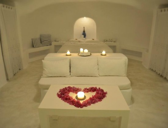 Aghios Artemios Traditional Houses:                   Honeymoon suite