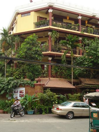 Khmer Surin Boutique Guesthouse:                   hotel
