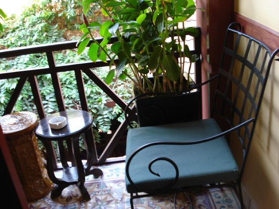 Khmer Surin Boutique Guesthouse:                   balconcino privato