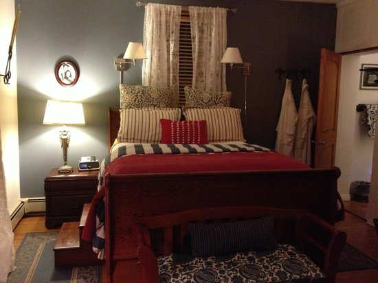 Cali Cochitta Bed & Breakfast:                   Cane room