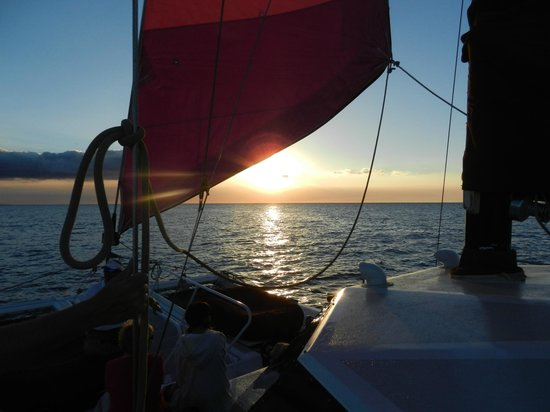 Mauna Lani Sea Adventures:                   Sunset Cruise