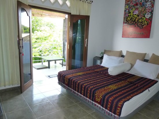Gili T and B Homestay