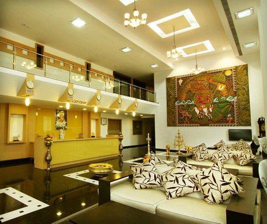 Hotel Annamalai International: Recption & Lobby