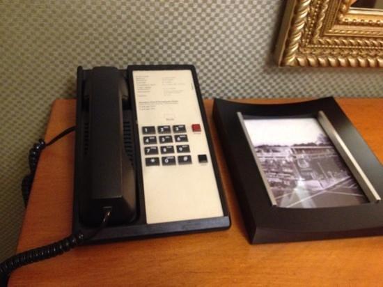 Sheraton Grand Sacramento Hotel:                   phone