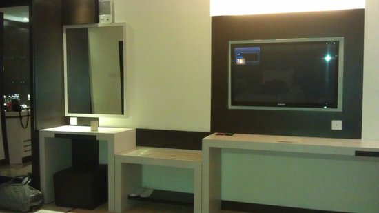 โรงแรม เดอะ บีซีซี แอนด์ เรสซิเดนซ์: Tv Area