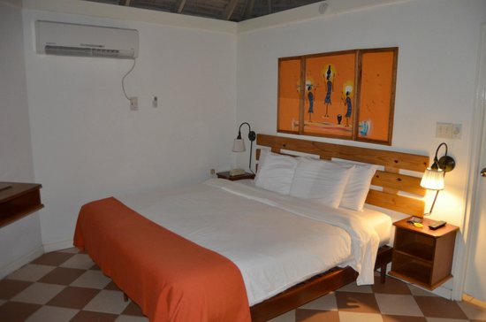 Royal Decameron Club Caribbean :                   Room interior