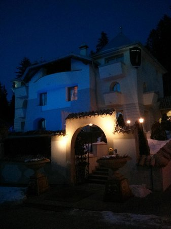 Villa Orso Grigio:                   L'Orso Grigio da fuori