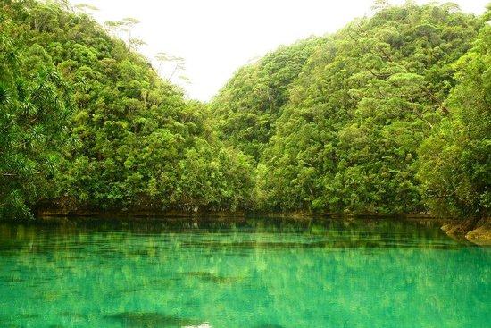 Sohoton Lagoon :                   sohoton cove
