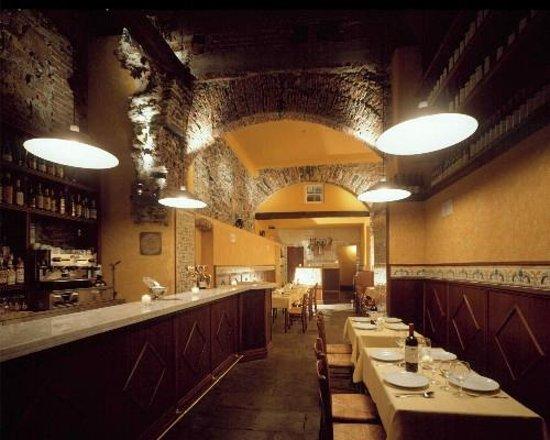 I Tre Merli Antica Cantina: La zona bar