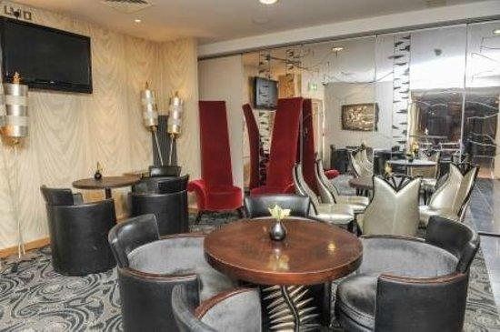 Eden Restaurant Bar Symak Lounge Area