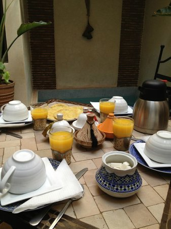 Hotel Riad Beldi :                   in tne morning