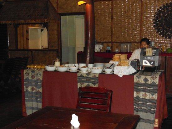 Luang Say Lodge: breakfastbuffet