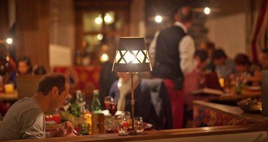Wine and Dine:                   Das Restaurant