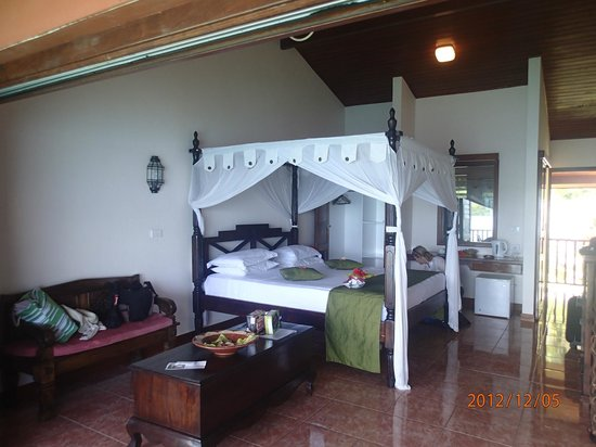 Sunset Bungalows Resort:                   large rooms