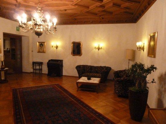 Silence & Schlosshotel Mirabell:                   Tolle, alte Räume